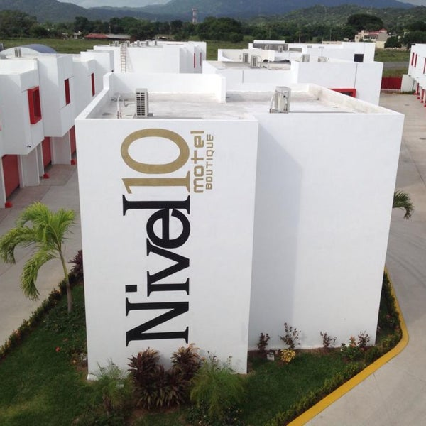Nivel 10 Motel & Suites